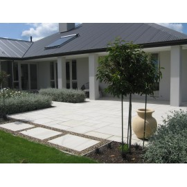600 MSP, 19.50 m2 Ivory 22 mm Sawn Calibrated Sandstone Paving Slab
