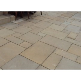 600 MSP, 19.50 m2 Golden Sand 22 mm Smooth Sawn Calibrated Sandstone Paving Slab