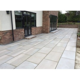 750×750 King Size, 17.33 m2 Santa Fee Smooth Sawn Sandstone Paving